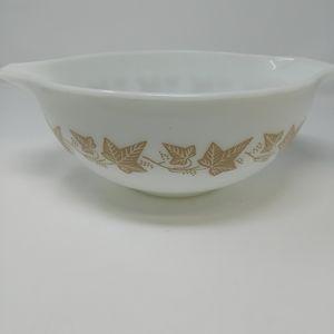 Vintage Pyrex mix bowl white w/ brown ivy leaves
